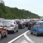 S-a circulat haotic pe A2 în weekend. Șofer amendat pentru că mergea pe banda de urgență: Nu mă deranjează o amendă, nu le plătesc