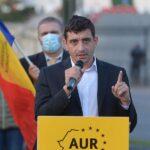 AUR va iniţia un pachet legislativ care să limiteze reprezentarea sau promovarea în rândul minorilor a homosexualităţii şi a schimbării de sex – 60m.ro