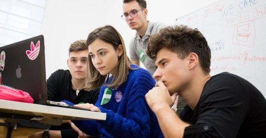 Studenții care doresc să deschidă o afacere, pot primi finanțare de la 40.000 până la 200.000 de euro – 60m.ro
